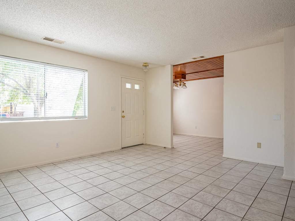46-Lone-Oak-Way-Templeton-CA-003-001-Living-RoomDining-Room-MLS_Size