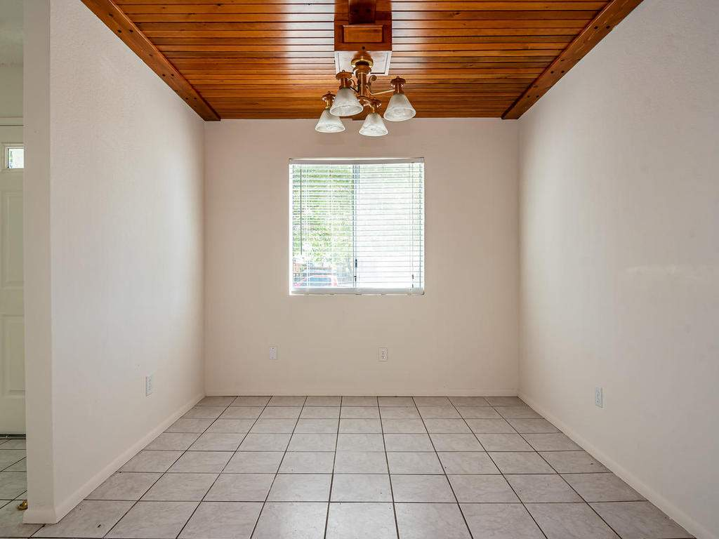 46-Lone-Oak-Way-Templeton-CA-006-023-Dining-Room-MLS_Size