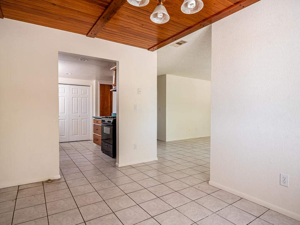 46-Lone-Oak-Way-Templeton-CA-007-002-Dining-RoomKitchenLiving-Room-MLS_Size