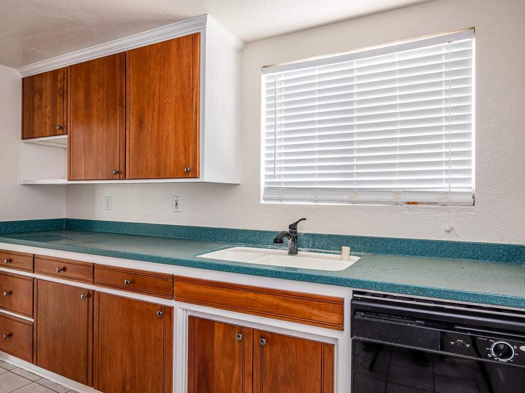 46-Lone-Oak-Way-Templeton-CA-008-011-Kitchen-MLS_Size