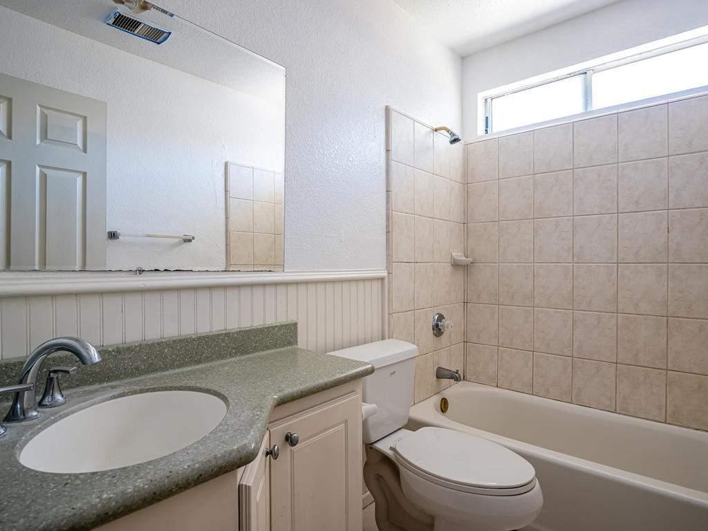 46-Lone-Oak-Way-Templeton-CA-019-020-Bathroom-2-MLS_Size