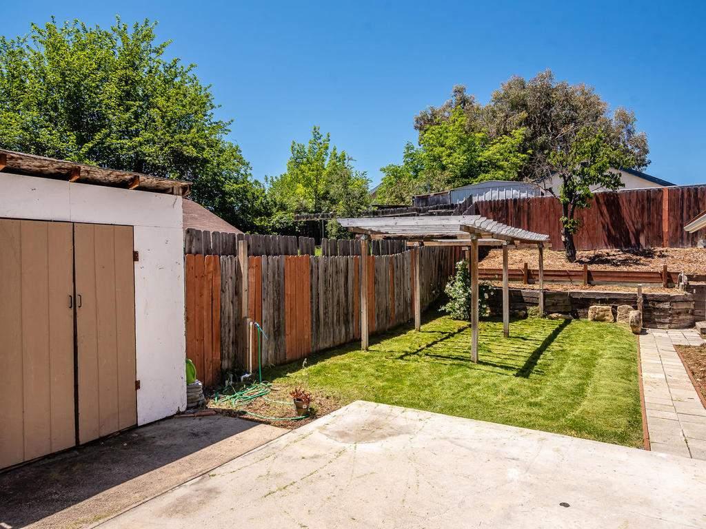 46-Lone-Oak-Way-Templeton-CA-022-013-Back-Yard-MLS_Size