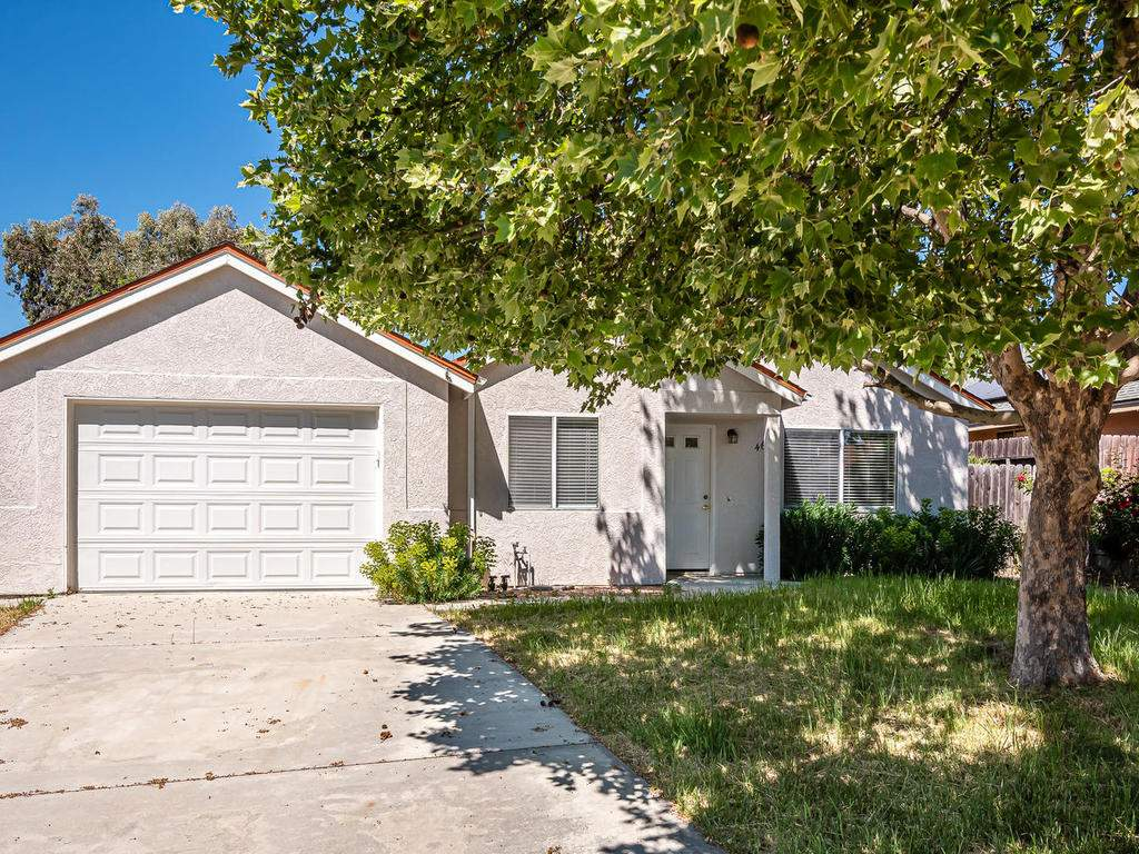 46-Lone-Oak-Way-Templeton-CA-025-018-Front-of-Home-MLS_Size