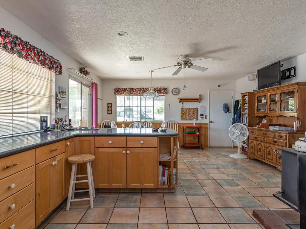 5070-White-Tail-Pl-Paso-Robles-CA-93446-USA-008-007-Kitchen-MLS_Size