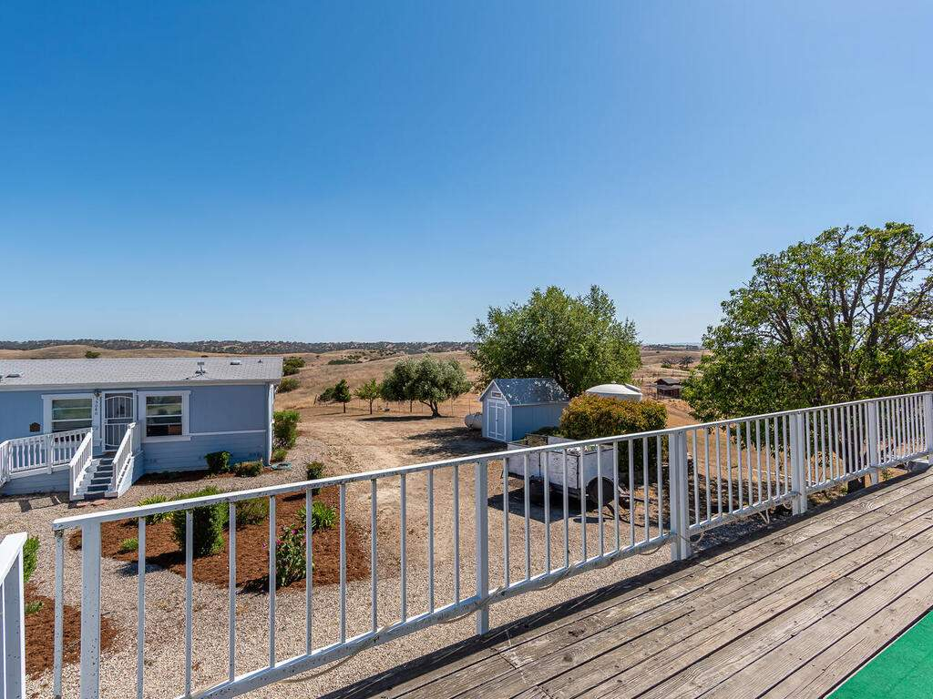 5070-White-Tail-Pl-Paso-Robles-CA-93446-USA-010-009-Master-Suite-Deck-MLS_Size