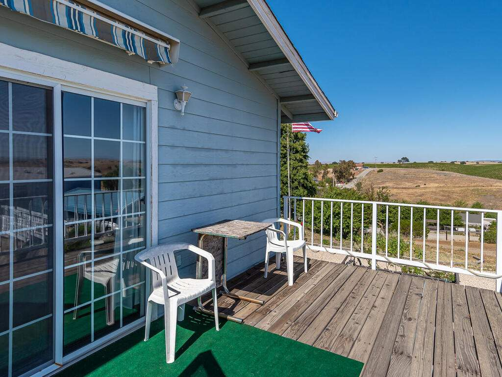5070-White-Tail-Pl-Paso-Robles-CA-93446-USA-011-011-Master-Suite-Deck-MLS_Size