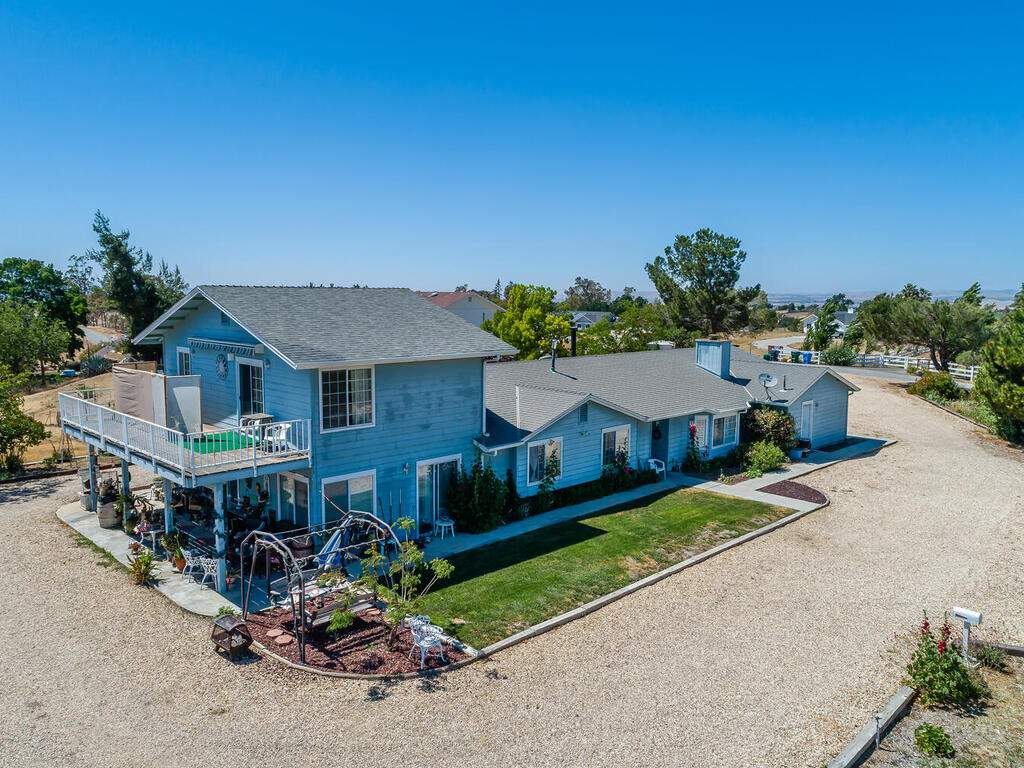 5070-White-Tail-Pl-Paso-Robles-CA-93446-USA-021-012-Front-of-Home-MLS_Size