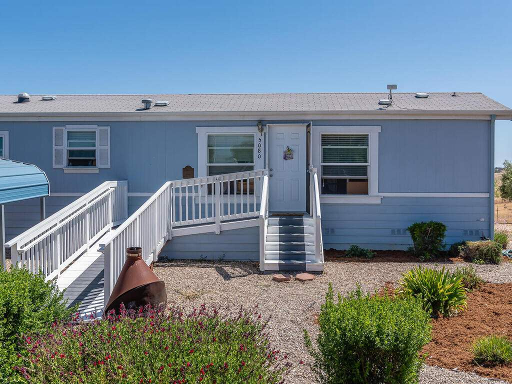 5070-White-Tail-Pl-Paso-Robles-CA-93446-USA-023-027-Guest-House-MLS_Size