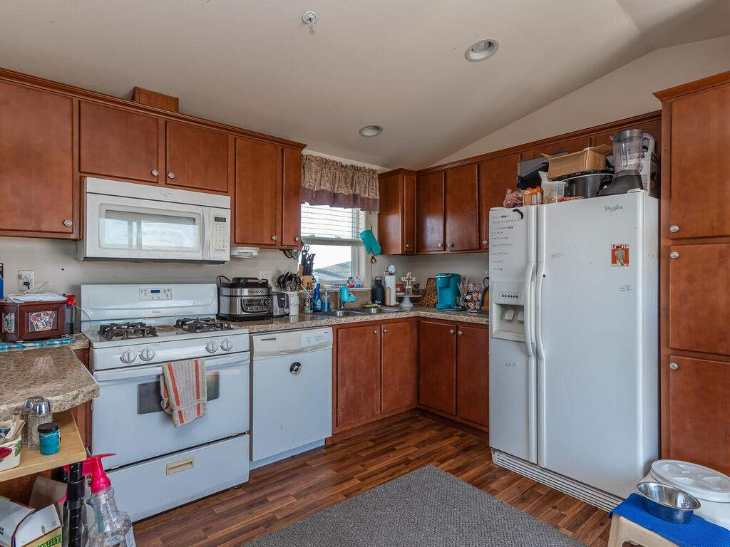 5070-White-Tail-Pl-Paso-Robles-CA-93446-USA-024-022-Guest-House-MLS_Size