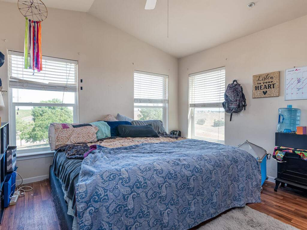5070-White-Tail-Pl-Paso-Robles-CA-93446-USA-029-039-Guest-House-MLS_Size