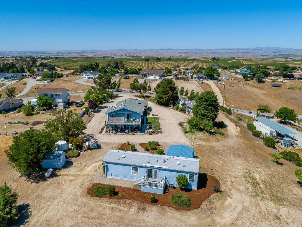 5070-White-Tail-Pl-Paso-Robles-CA-93446-USA-034-031-Aerial-View-MLS_Size