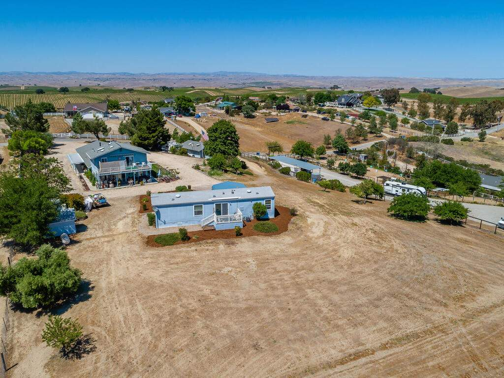 5070-White-Tail-Pl-Paso-Robles-CA-93446-USA-035-037-Aerial-View-MLS_Size