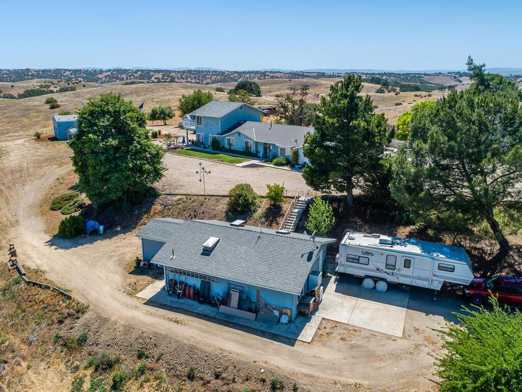 5070-White-Tail-Pl-Paso-Robles-CA-93446-USA-038-033-Aerial-View-MLS_Size