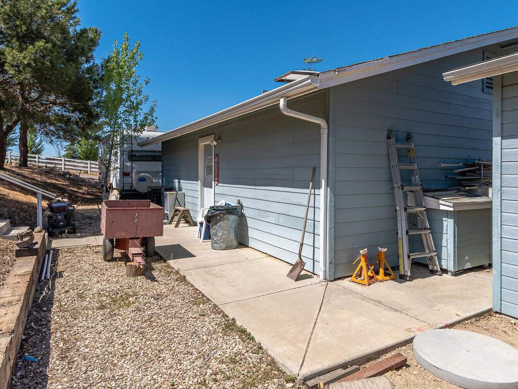 5070-White-Tail-Pl-Paso-Robles-CA-93446-USA-039-046-Workshop-MLS_Size