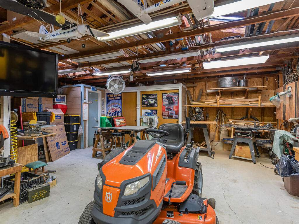 5070-White-Tail-Pl-Paso-Robles-CA-93446-USA-042-034-Workshop-MLS_Size
