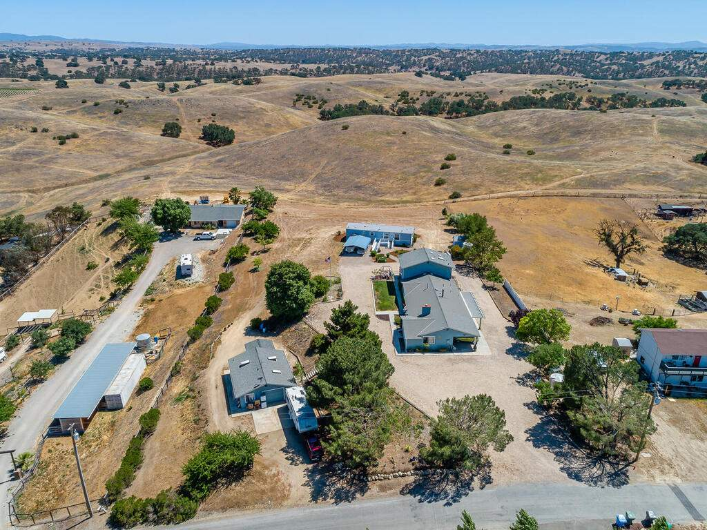 5070-White-Tail-Pl-Paso-Robles-CA-93446-USA-045-036-Aerial-View-MLS_Size