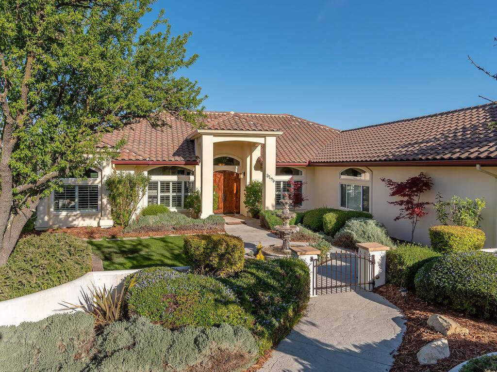 5495-Vista-Serrano-Paso-Robles-CA-93446-USA-006-085-Front-of-Home-MLS_Size