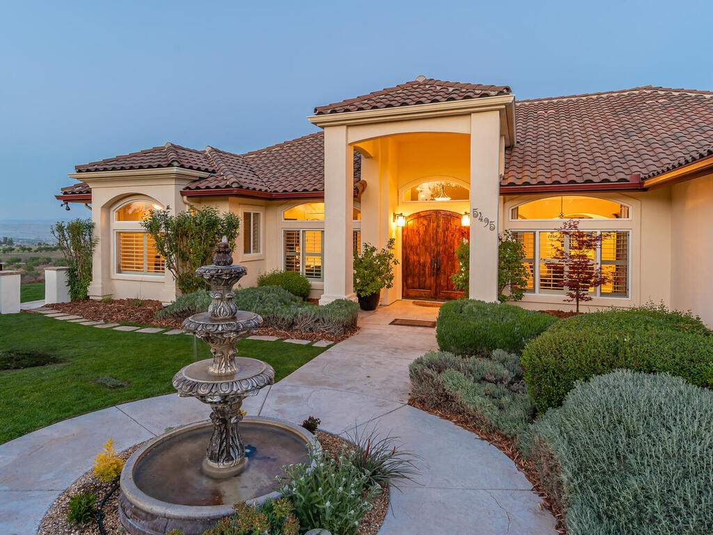 5495-Vista-Serrano-Paso-Robles-CA-93446-USA-010-088-Front-of-Home-MLS_Size