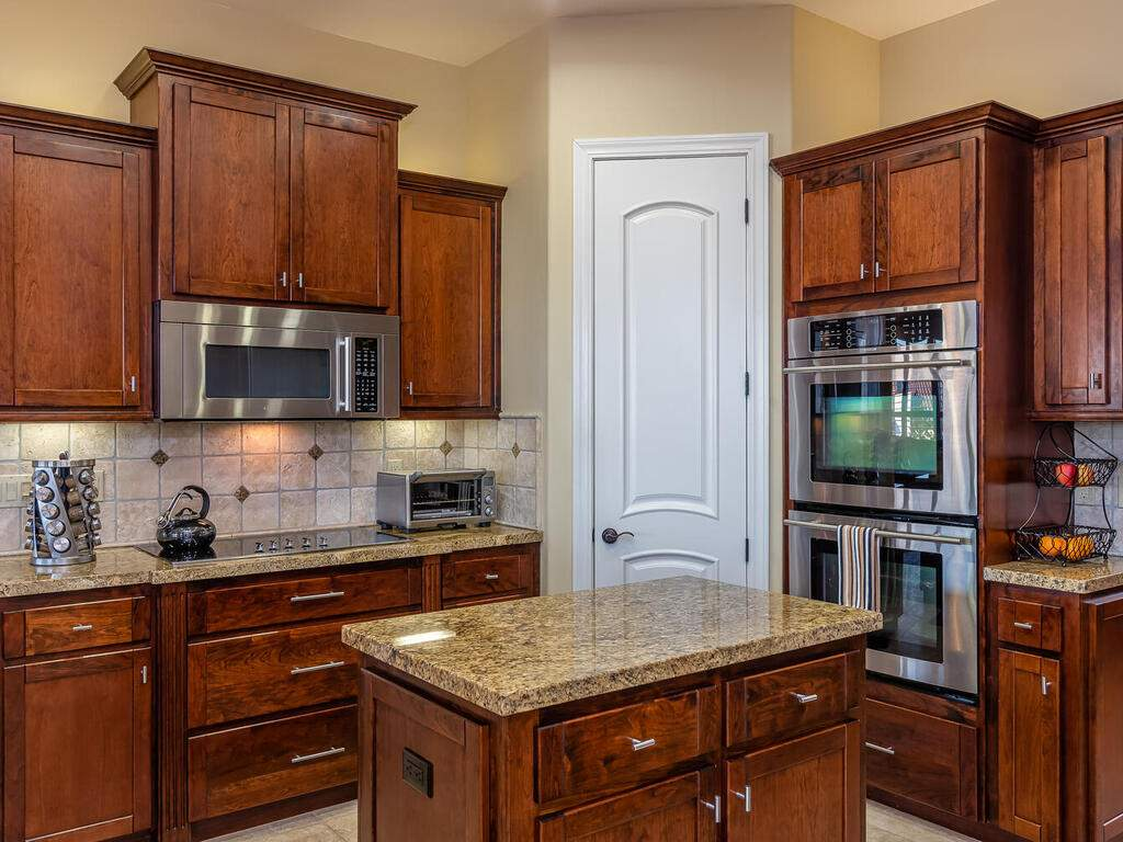 5495-Vista-Serrano-Paso-Robles-CA-93446-USA-016-092-Kitchen-MLS_Size