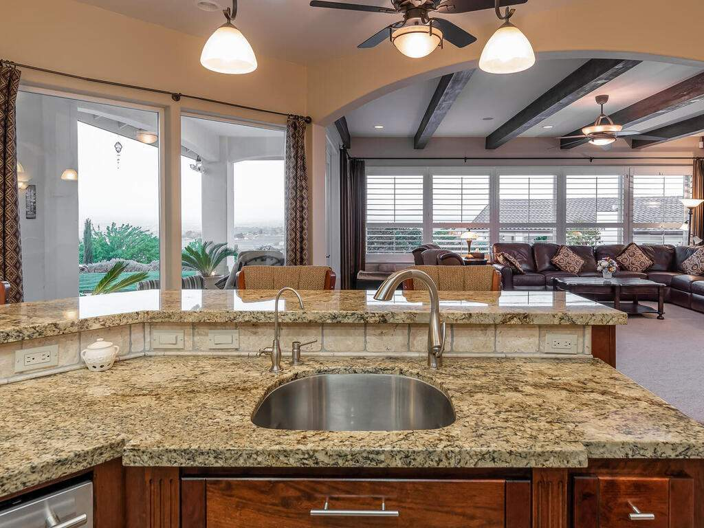5495-Vista-Serrano-Paso-Robles-CA-93446-USA-018-186-Kitchen-MLS_Size