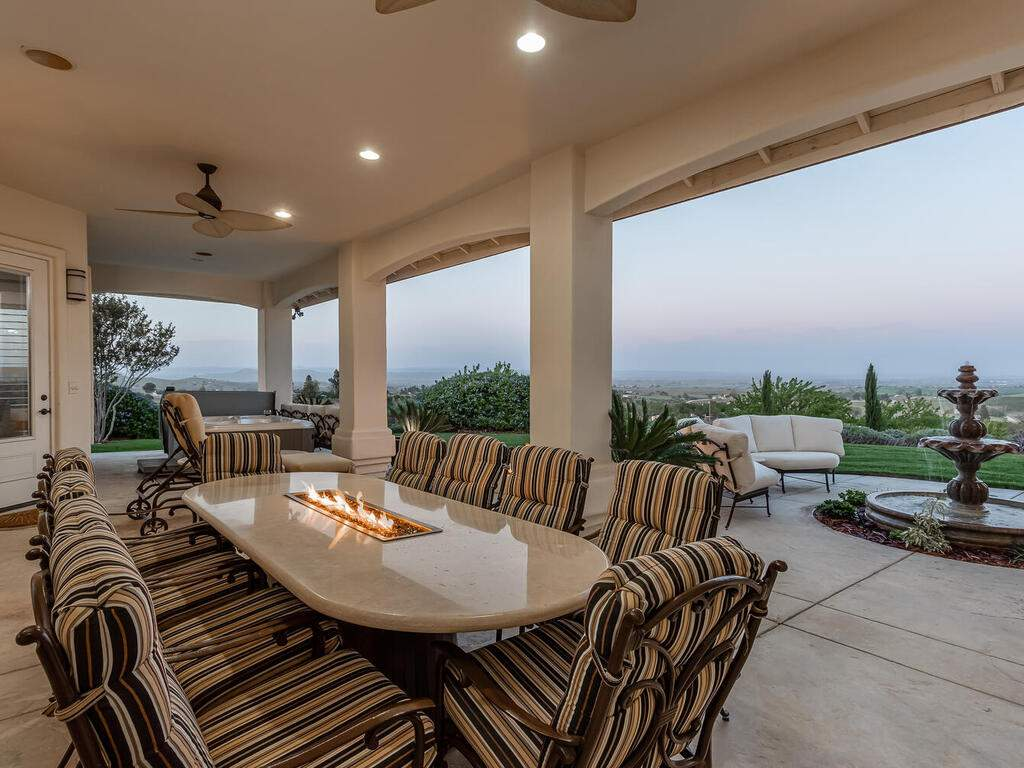 5495-Vista-Serrano-Paso-Robles-CA-93446-USA-035-114-Back-Patio-MLS_Size