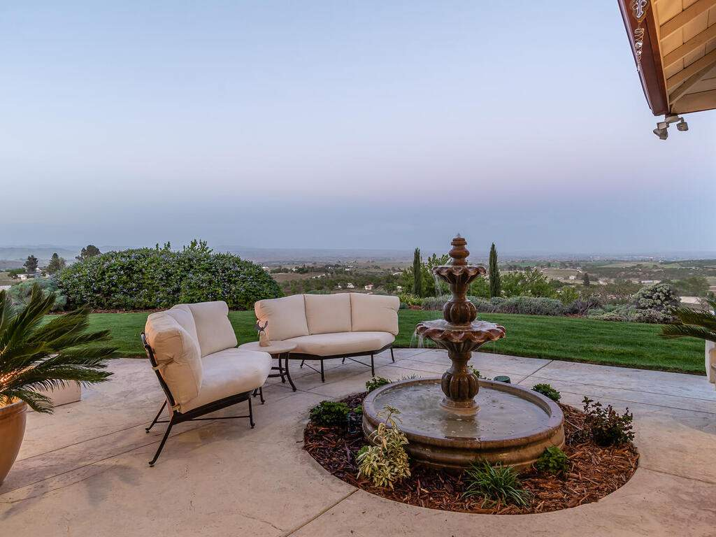 5495-Vista-Serrano-Paso-Robles-CA-93446-USA-036-116-Back-Patio-MLS_Size