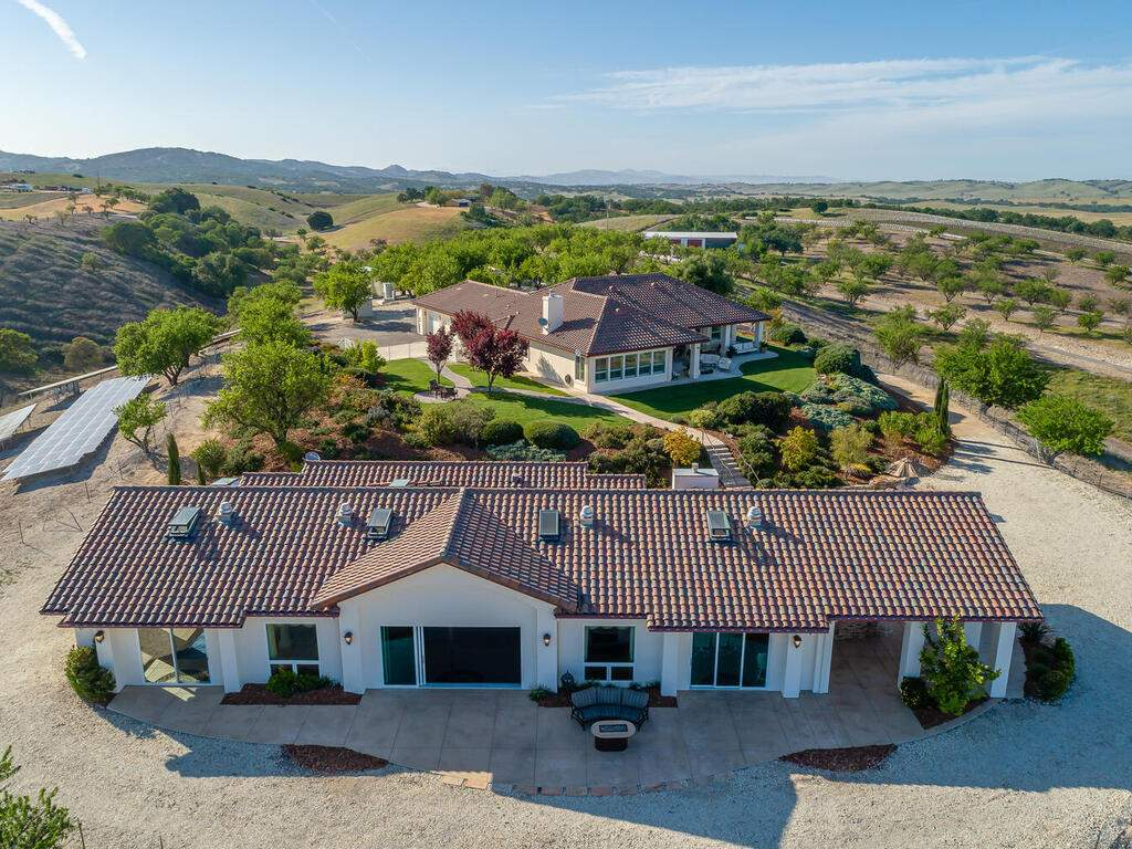 5495-Vista-Serrano-Paso-Robles-CA-93446-USA-041-124-Aeril-View-MLS_Size
