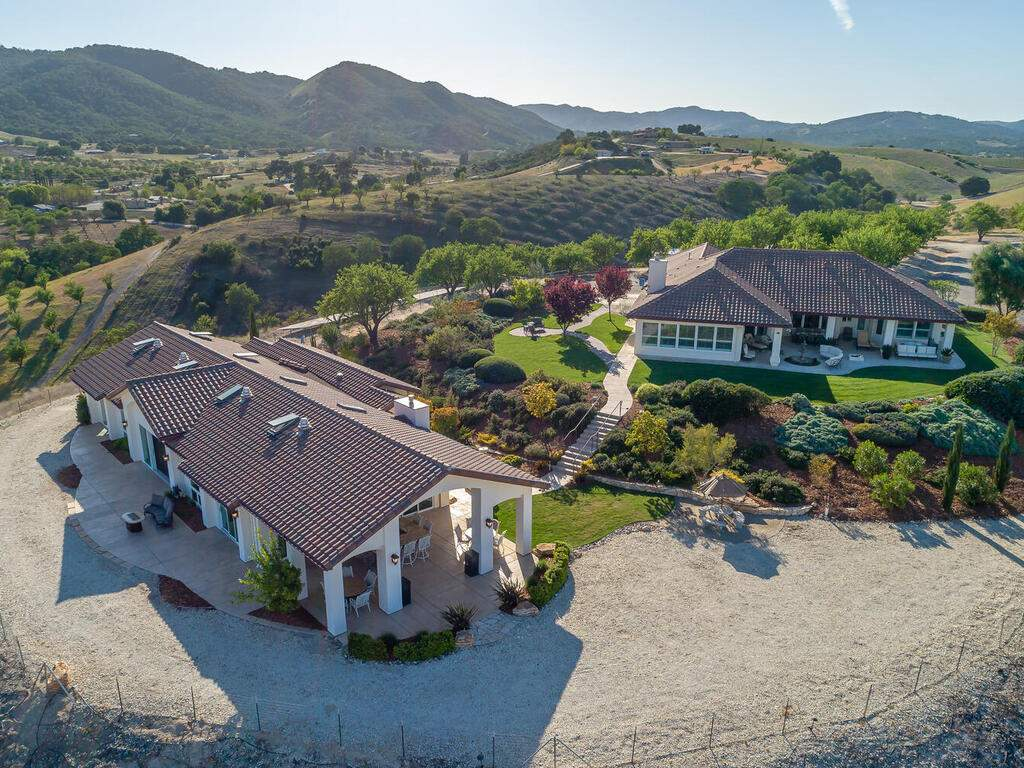 5495-Vista-Serrano-Paso-Robles-CA-93446-USA-042-122-Aeril-View-MLS_Size