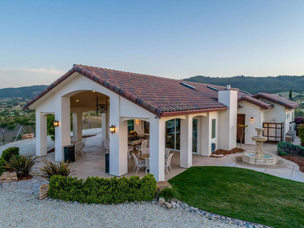 5495-Vista-Serrano-Paso-Robles-CA-93446-USA-043-166-Pool-House-MLS_Size