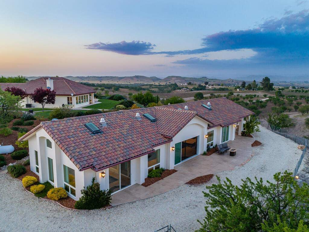 5495-Vista-Serrano-Paso-Robles-CA-93446-USA-044-189-Pool-House-MLS_Size