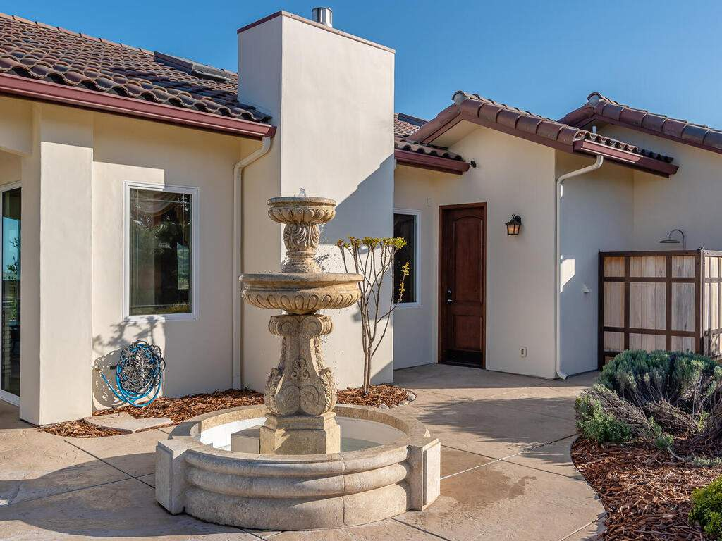 5495-Vista-Serrano-Paso-Robles-CA-93446-USA-061-133-Pool-House-Patio-MLS_Size