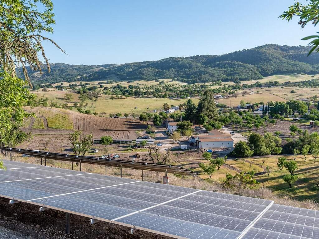 5495-Vista-Serrano-Paso-Robles-CA-93446-USA-065-138-Solar-MLS_Size