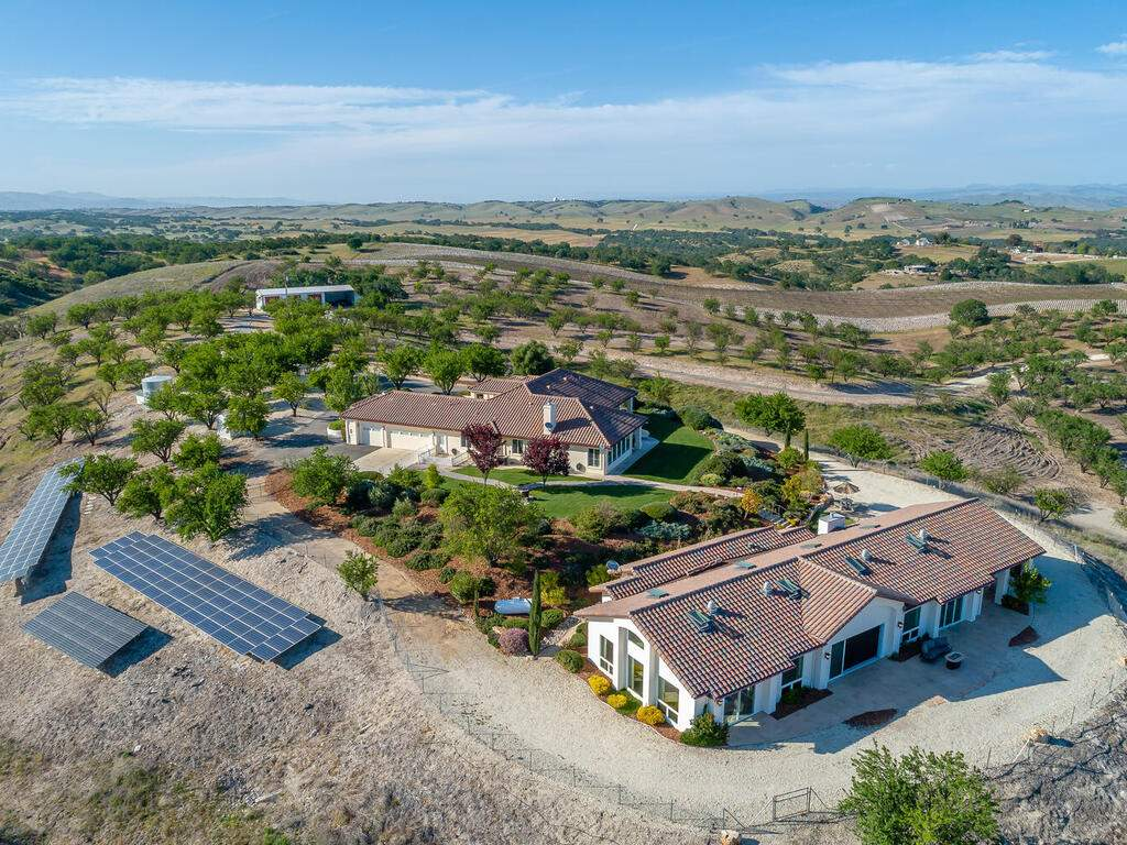 5495-Vista-Serrano-Paso-Robles-CA-93446-USA-067-171-Aeril-View-MLS_Size