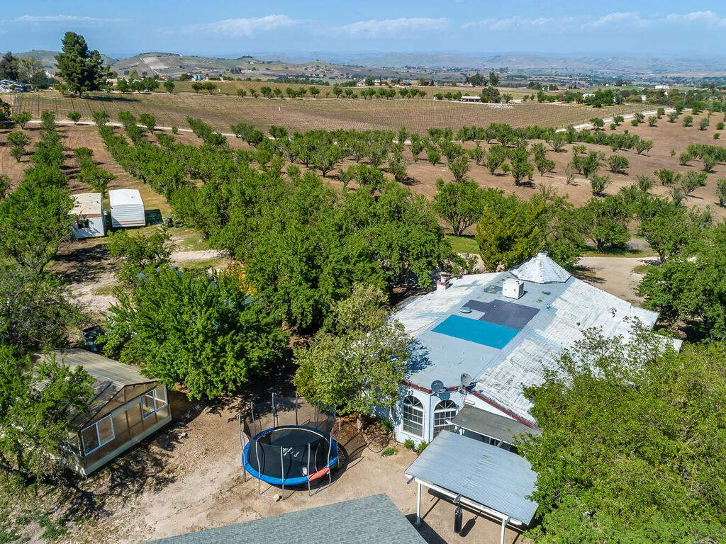 5495-Vista-Serrano-Paso-Robles-CA-93446-USA-091-153-5485-Vista-Serrano-MLS_Size