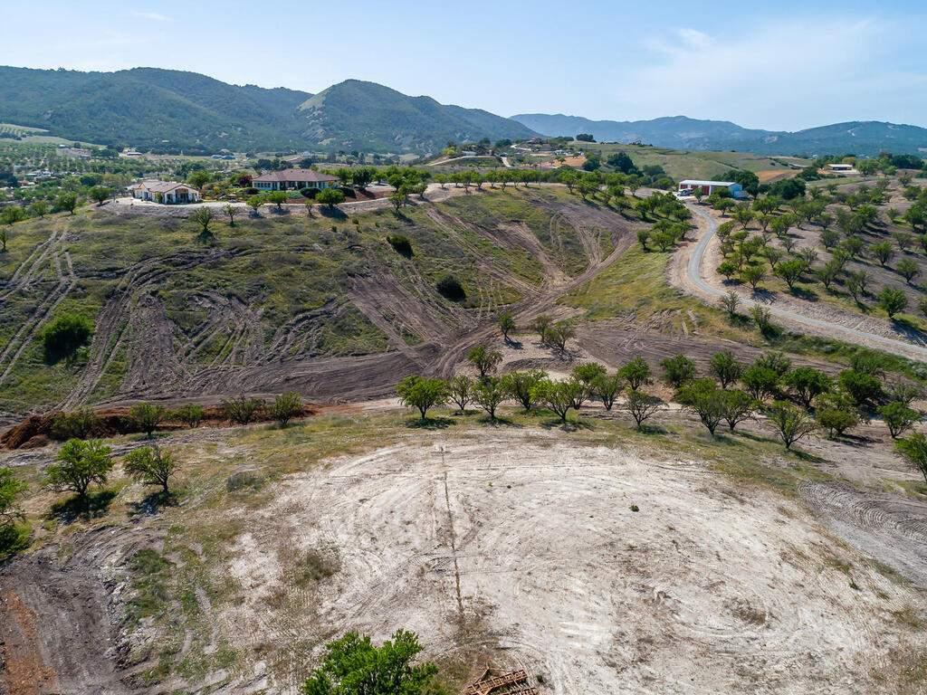 5495-Vista-Serrano-Paso-Robles-CA-93446-USA-103-175-Building-Pad-MLS_Size
