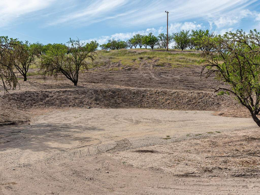 5495-Vista-Serrano-Paso-Robles-CA-93446-USA-106-177-Shooting-Burm-MLS_Size