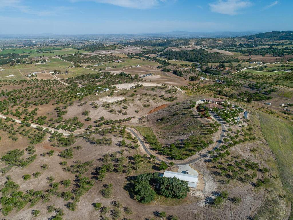 5495-Vista-Serrano-Paso-Robles-CA-93446-USA-109-169-Aeril-View-MLS_Size