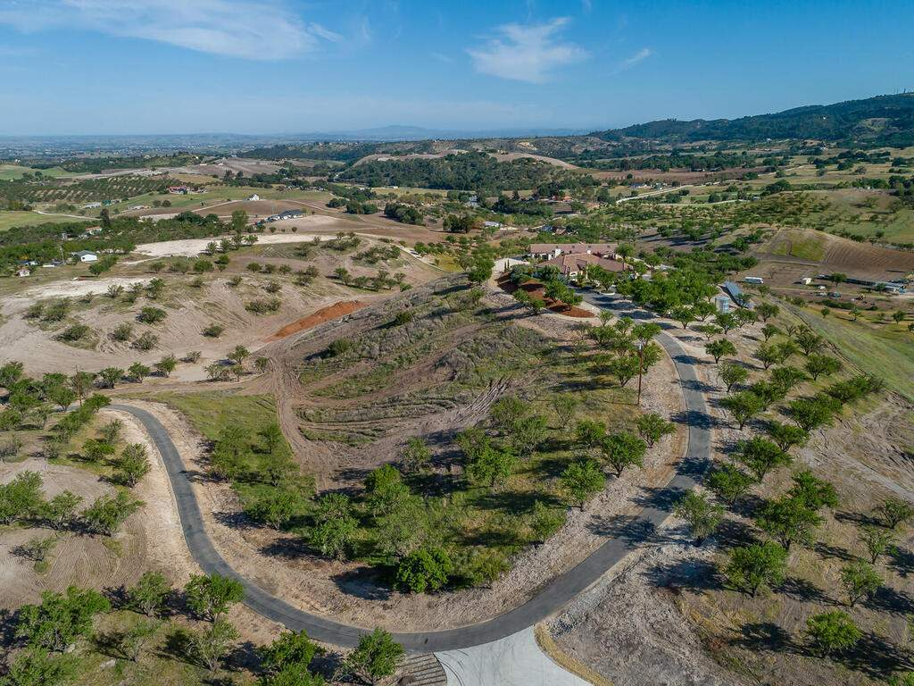 5495-Vista-Serrano-Paso-Robles-CA-93446-USA-110-168-Aeril-View-MLS_Size