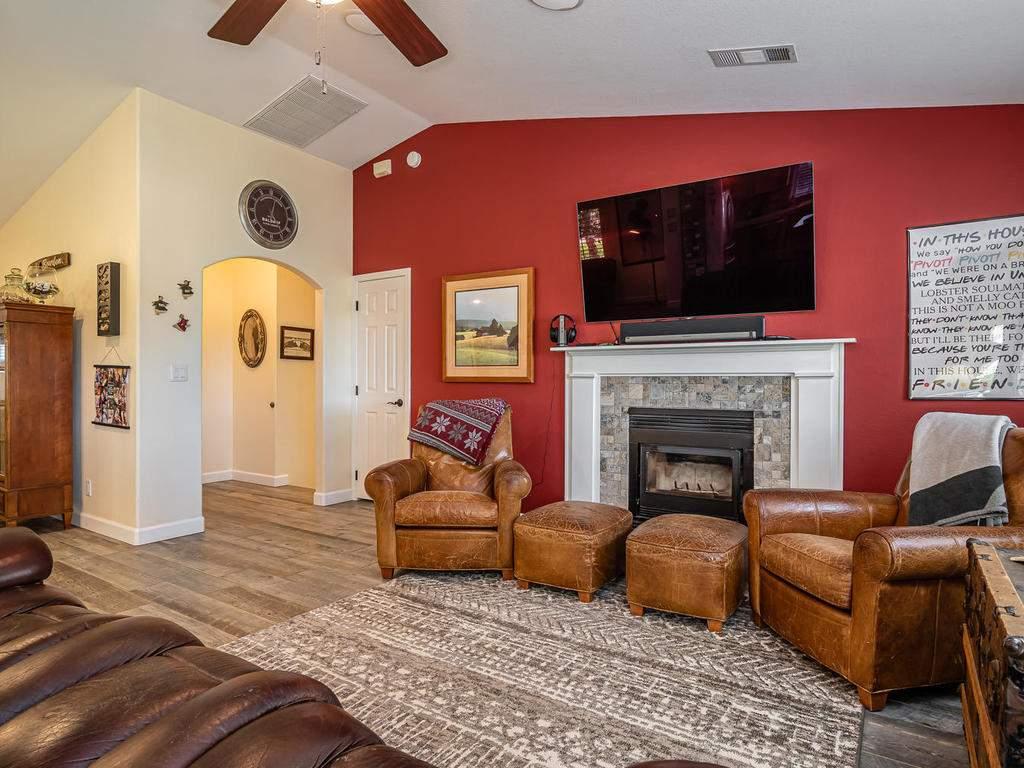 5530-Prancing-Deer-Rd-Paso-004-004-Living-Room-MLS_Size