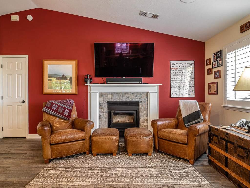 5530-Prancing-Deer-Rd-Paso-005-003-Living-Room-MLS_Size