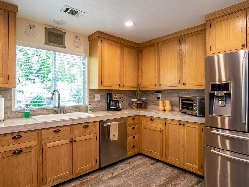 5530-Prancing-Deer-Rd-Paso-012-016-Kitchen-MLS_Size