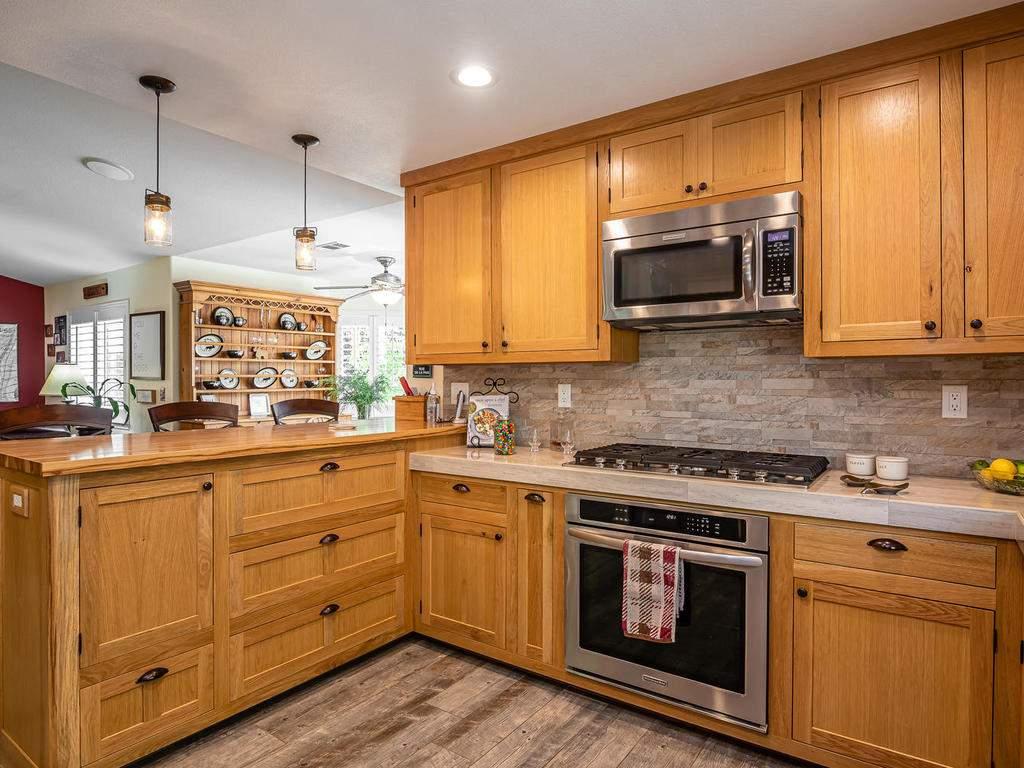 5530-Prancing-Deer-Rd-Paso-013-012-Kitchen-MLS_Size