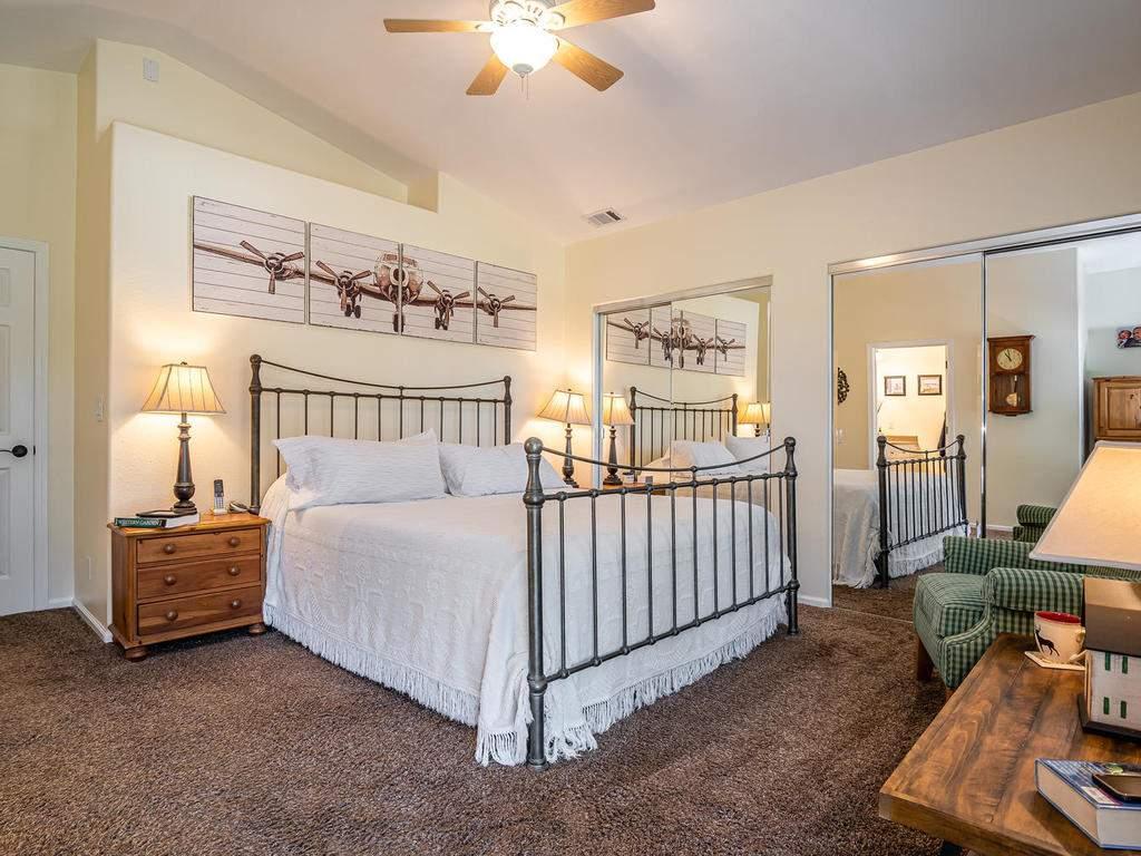 5530-Prancing-Deer-Rd-Paso-015-014-Master-Suite-MLS_Size