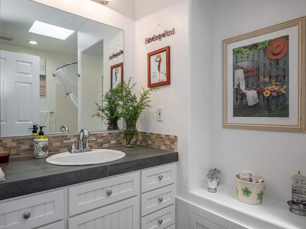 5530-Prancing-Deer-Rd-Paso-024-023-Bathroom-2-MLS_Size