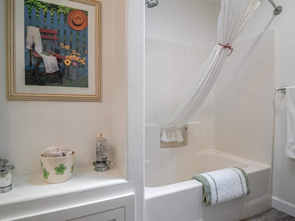 5530-Prancing-Deer-Rd-Paso-025-025-Bathroom-2-MLS_Size