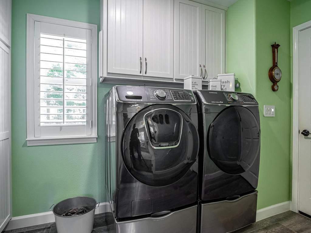 5530-Prancing-Deer-Rd-Paso-026-026-Laundry-Room-MLS_Size