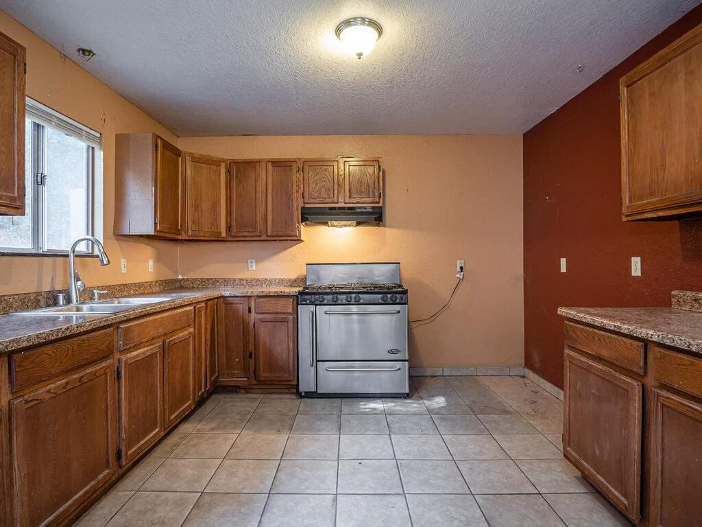 5900059002-Jolon-Rd-King-City-012-008-Kitchen-MLS_Size