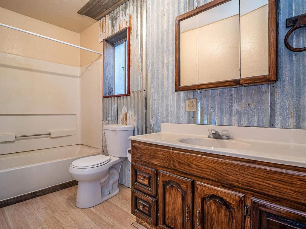 5900059002-Jolon-Rd-King-City-014-006-Downstairs-Bathroom-MLS_Size