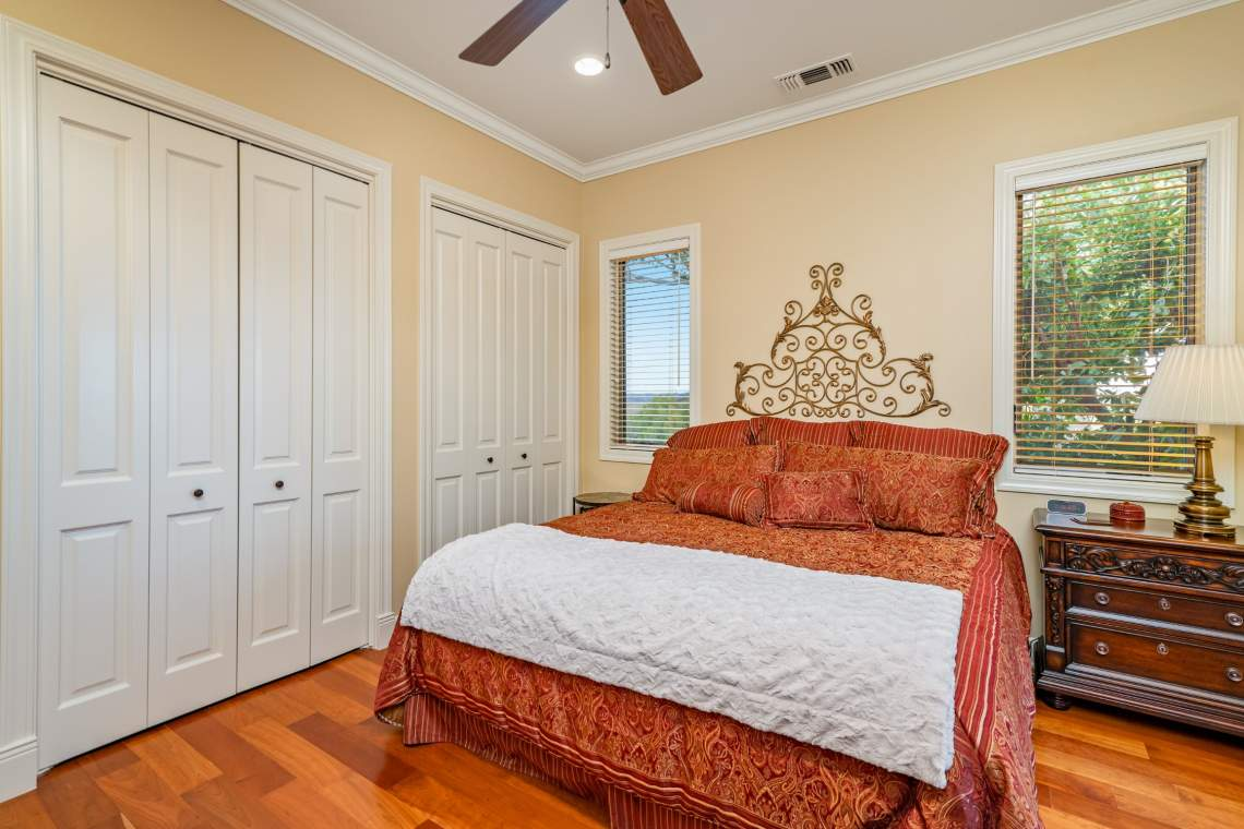 Images-74.1.2-Guest-Rooms-53