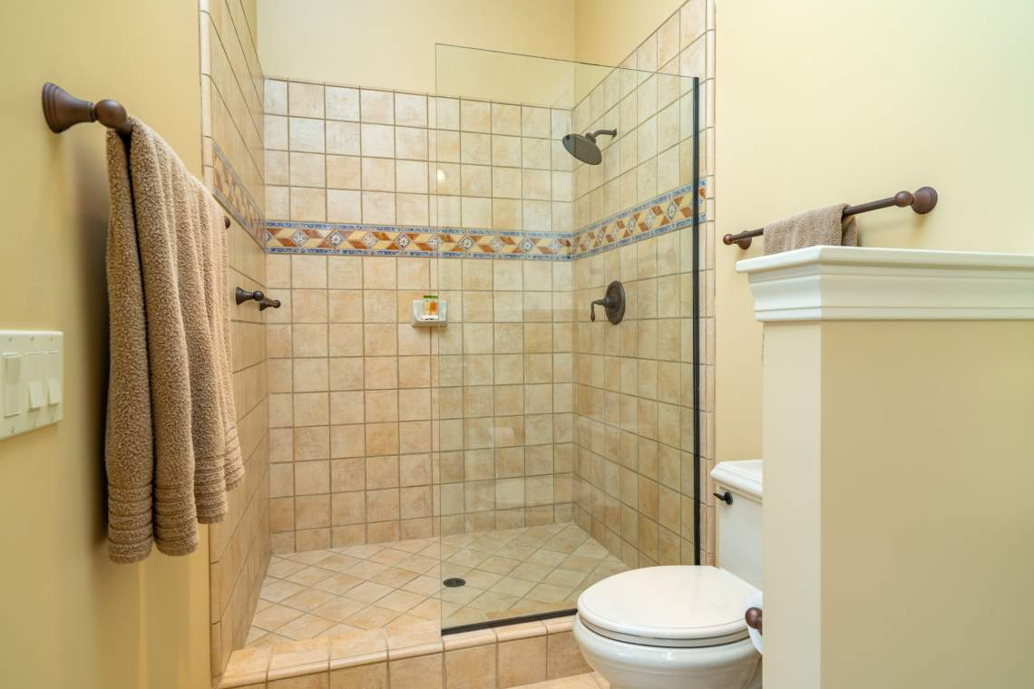Images-74.1.2-Guest-Rooms-56